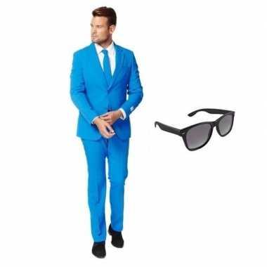Blauw heren kostuum maat 58 (4xl) met gratis zonnebril