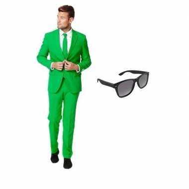 Groen heren kostuum maat 48 (m) met gratis zonnebril