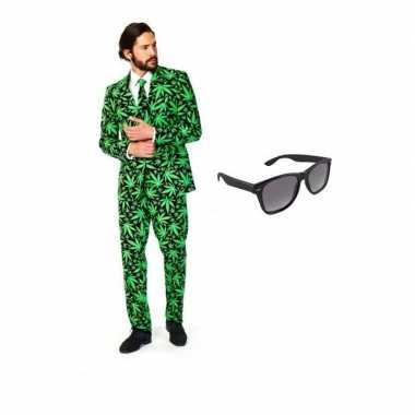 Heren kostuum met cannabis print maat 48 (m) met gratis zonnebri