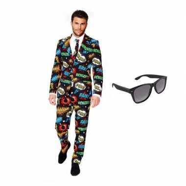 Heren kostuum met comic print maat 48 (m) met gratis zonnebri