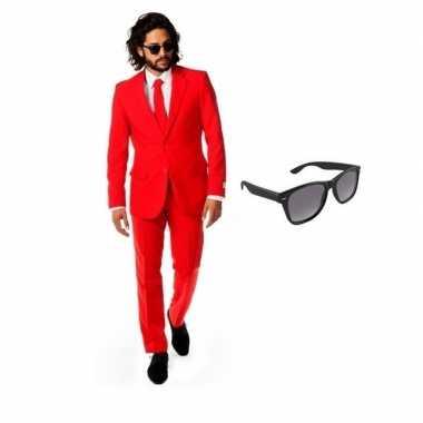 Rood heren kostuum maat 52 (xl) met gratis zonnebril